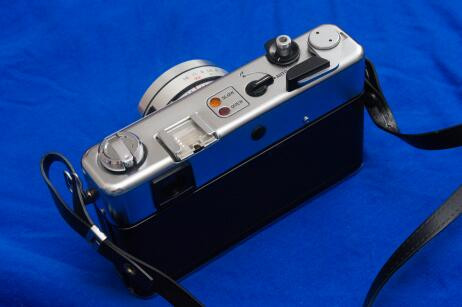 A view of the Yashica MG-1 from behind